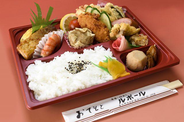 弁当1,000円(税別)(一例)