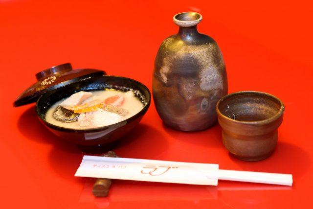 日本酒(月桂冠)と自慢の粕汁