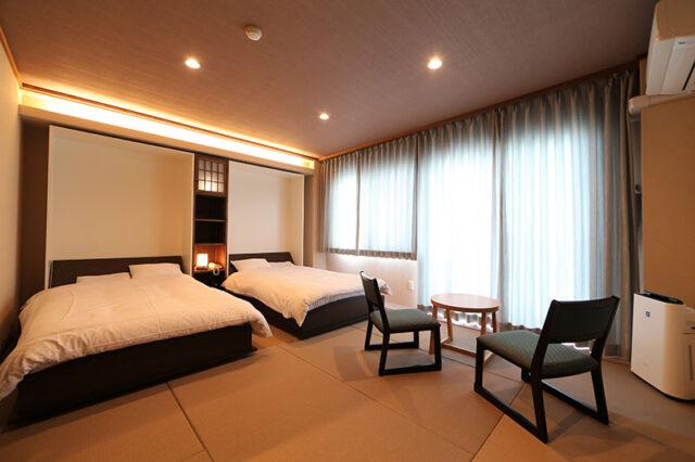 和室(10畳・和モダンベッドタイプ)《海側》