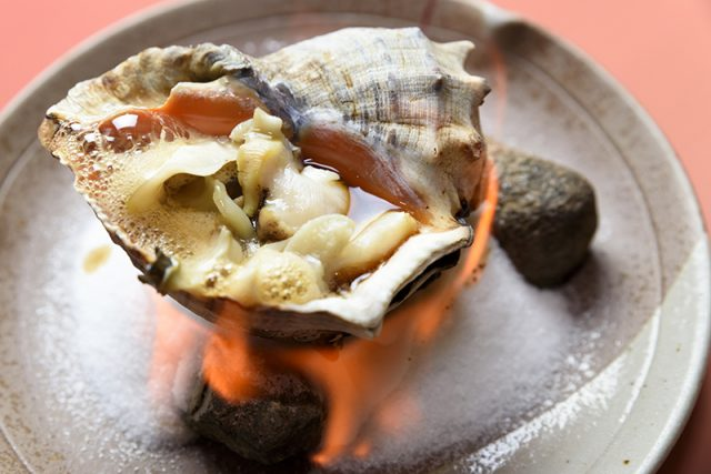 ニシ貝の壺焼き 1,300円
